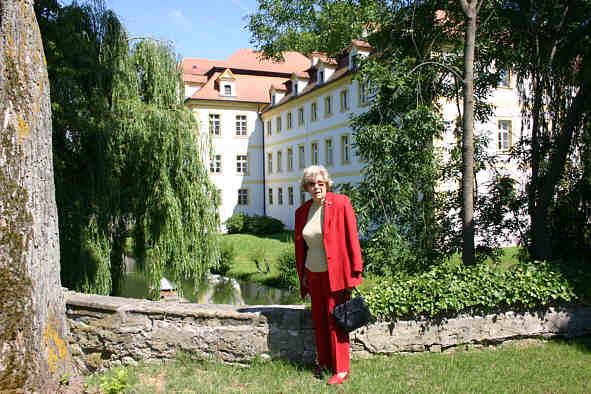Marie Therese Gräfin Von Und Zu Lerchenfeld